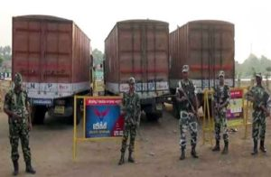 Trucks carrying 570 crore cash seized by Tamilnadu Police at Chengapalli