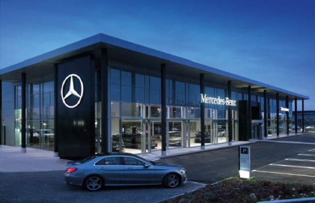 mercedes showrooms find hard to find customers post demonetisation